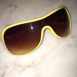 Accessories - Sunglasses